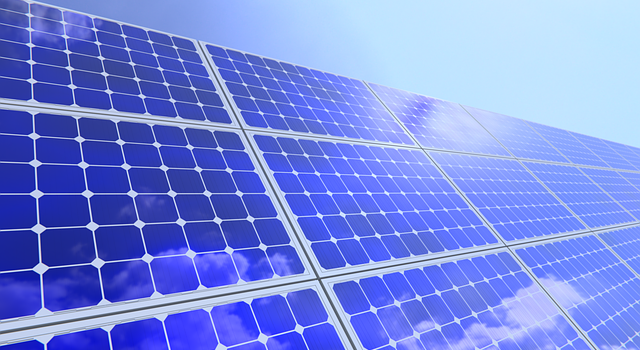 Solar Thermophotovoltaic Device