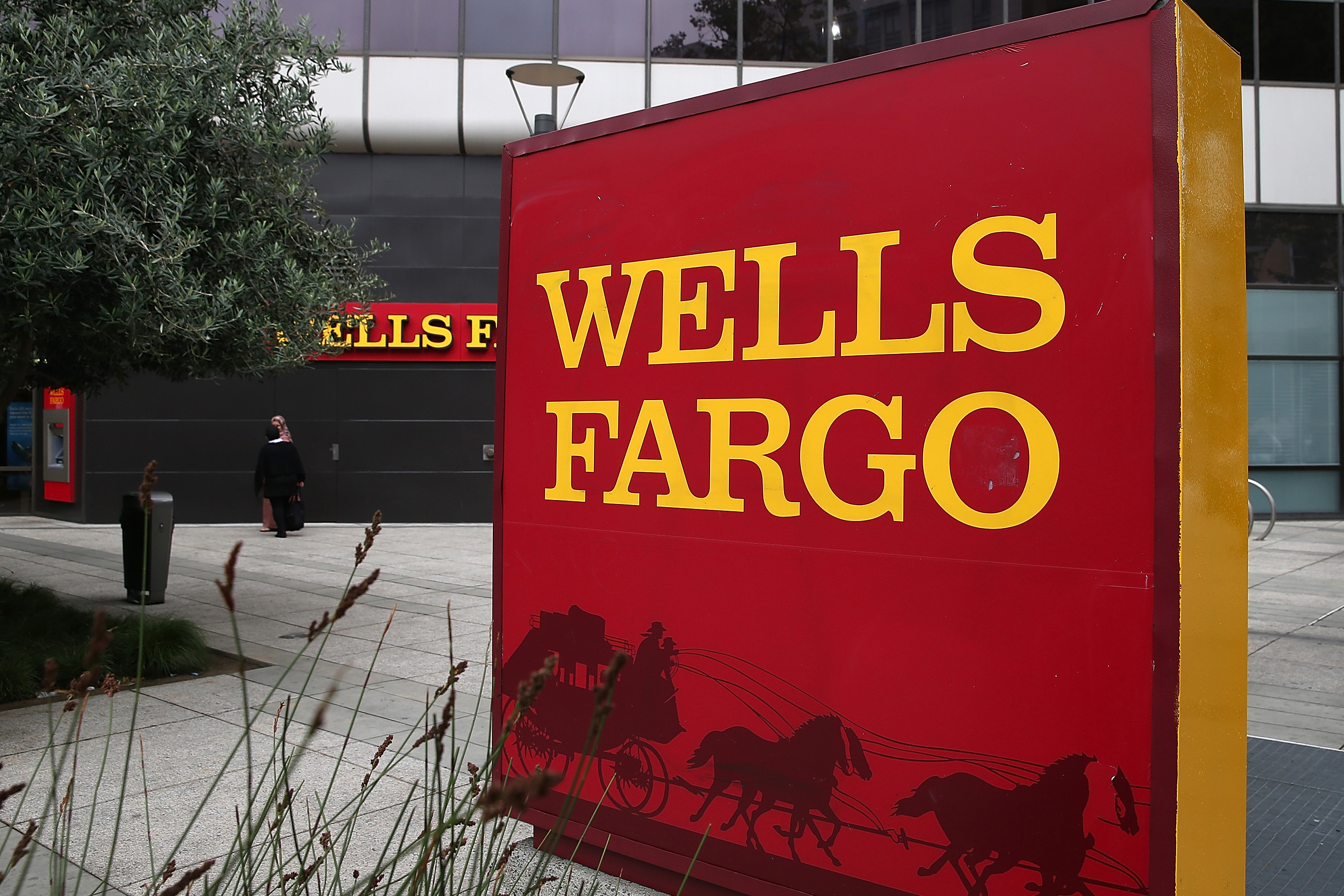 Cadence Bank NA Increases Stake in Wells Fargo & Co